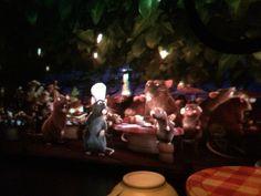Ratatouille een 3D attractie waar het lijkt of je echt tussen de muizen zit