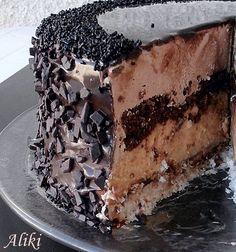 Za ovu fantaziju od torte hvala mojoj sestri Daci koja mi je poslala recept i   njenoj koleginici na poslu , a mojoj dragoj školskoj drugari...
