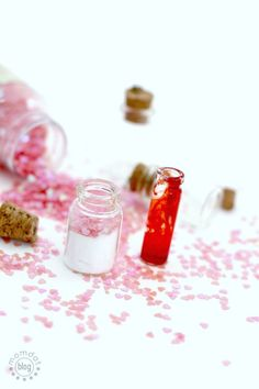 Love Potion: DIY a mini necklace set of Love Potion that really explodes with Love! Adorable, fun craft for best friend or spouse
