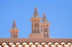 Chaminé decorativa (Decorated Chimney) in Algarve - Portugal Portugal, Algarve, Portuguese Culture, Destin Beach, Moorish, Beach Resorts, Night Life, 1, Pottery
