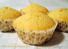 Sokszor hallhattuk már, hogy a muffin milyen univerzális süti. Gyors, változatos, mutatós, mindenki szereti és sokáig eláll. Ez mind így is ... Cornbread, Muffin, Deserts, Cupcakes, Sweets, Breakfast, Ethnic Recipes, Food, Vaj