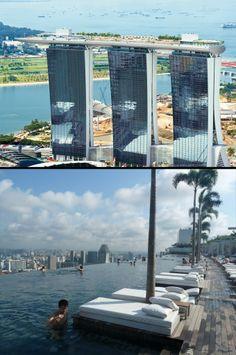 Las piscinas más espectaculares del mundo no tienen por qué estar situadas en hoteles. Un ejemplo es esta, la cual puedes encontrarla en un complejo de edificios de Singapur pertenecientes a Las Vegas Sands. Se trata, como habrás adivinado, de un casino. Lo increíble de la piscina es que, como puedes ver en la foto, se encuentra en la parte superior de los edificios por lo que, a parte de ser preciosa, es la piscina elevada más larga del mundo (150 metros de borde invisible y capacidad para…