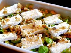 Brussels sprout dish with bacon, brie and walnut - Cooking idea, Brussels sprout dish with bacon, brie and walnut. I Love Food, Good Food, Yummy Food, Bacon, Brie Sandwich, Diner Recipes, Go For It, Healthy Recipes, Cooking Recipes