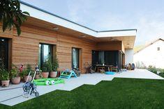 HAUS IN MARIA ANZBACH | AL Architekt Bungalows, Modern, Patio, Outdoor Decor, Home Decor, Photos, Wood Facade, Building Ideas, Wall Trim