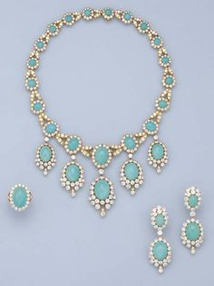 Love when turquoise is mixed with yellow gold and DIAMONDS - oh my! Turquoise suite by Van Cleef and Arpels, once owned by Princess Margaret, Countess of Snowdon