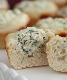 Baked Spinach Dip Mini Bread Bowls! Perfect appetizer for any party!