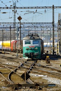 123 012_Pn 52185_Beroun seř. nádraží_28.3.2017 Electric Locomotive, Steam Locomotive, Old Steam Train, Bonde, Train Tracks, Civil Engineering, Planes, Amsterdam, Transportation