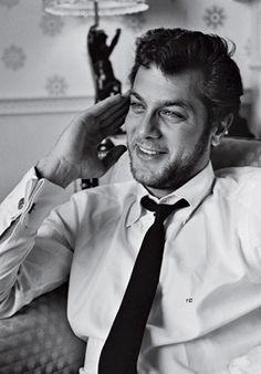 Definitely one of my favourite old hollywood actor, Tony Curtis, genius! (father of Jamie Lee Curtis) Definitely one of my favourite old hollywood actor, Tony Curtis, genius! (father of Jamie Lee Curtis) Hooray For Hollywood, Hollywood Icons, Hollywood Actor, Golden Age Of Hollywood, Hollywood Stars, Hollywood Glamour, Classic Hollywood, Old Hollywood, Tony Curtis