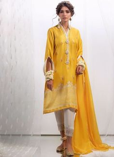Discover the extensive variety of FTA Signature Pret And Ready To Wears that go for an luxury lifestyle. Pakistani Dresses Casual, Pakistani Dress Design, Silk Dupatta, Stylish Girl Pic, Sleeve Designs, Sleeve Styles, Shirt Style, Designer Dresses, Ready To Wear