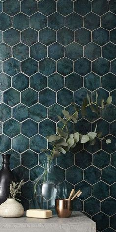Bathroom Decor tiles 10 -wrdige Fliesen, die du in - bathroomdecor Bathroom Interior Design, Interior Design Living Room, Bathroom Inspiration, Home Deco, Small Bathroom, Bathroom Wall, Interior And Exterior, House Design, Decoration