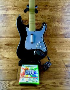 Xbox 360 Guitar Fender Stratocaster Wired With Game Mint Battery Compartment Stratocaster Guitar, Fender Guitars, Rock Band Xbox 360, Console, Mint, Games, Gaming, Roman Consul, Plays