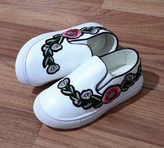 anak sepatu slip on bunga import