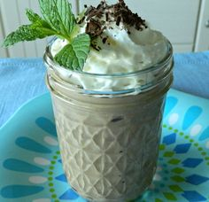 High Protein No Bake Chocolate Cheesecake In A Jar - This is the most delicious healthy cheesecake. Love the high protein content too. Enjoy every chocolate spoonful! Healthy Cheesecake Recipes, Dessert Recipes, Healthy Recipes, Healthy Sweets, Protein Cheesecake, Healthy Foods, Dessert Bowls, Protein Foods, Dessert Ideas