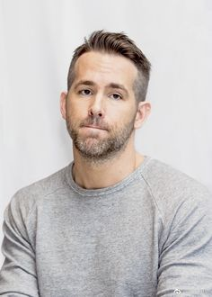 Style hair men ryan reynolds new ideas Ryan Reynolds Haare, Ryan Reynolds Haircut, Ryan Reynolds Deadpool, Beard Haircut, Men Haircut Short, Man Bun Hairstyles, Hipster Haircut, Beard Styles, Hair Styles