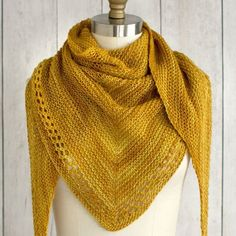 Need a relaxing project? Take one skein of your favorite colorway of Fino, combine with the #freeknittingpattern Ojete Scarf, and tag us when you're finished! No rush, just enjoy the rhythm of the knitting :) Pattern: http://fairmountfibers.com/patterns/ojete-scarf-f66 #manosdeluruguay #manosdeluruguayfino #shawlknitting #garterstitch