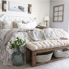 28 Perfect Bedding For Farmhouse Bedroom Design Ideas And Decor. If you are looking for Bedding For Farmhouse Bedroom Design Ideas And Decor, You come to the right place. Below are the Bedding For Fa. Farmhouse Style Bedrooms, Farmhouse Master Bedroom, Home Bedroom, Modern Bedroom, Contemporary Bedroom, Bedroom Rustic, Kids Bedroom, 1930s Bedroom, Bedroom Country