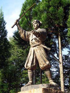 Musashi's statue / 武蔵の像