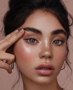 Blush / Pink Lips / Glowing Skin / Fresh Makeup / Spring