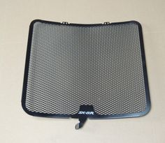 Aluminum Radiator Guard Cover Grille for Kawasaki ZX-6R 2009 10 11 12 13 2014 http://www.xfoor.com/products/aluminum-radiator-guard-cover-grille-for-kawasaki-zx-6r-2009-10-11-12-13-2014/