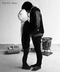 da26a0acfd1 cute emo couple..i wish we were like this Scene Couples