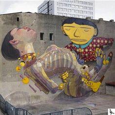 """@weigeltw: ARYZ x OS GEMEOS #ARYZ #OSGEMEOS #graffiti #streetart #murals #art #spraypaint http://instagram.com/p/qd_CBfRvO6/ pic.twitter.com/ewOU4abcwb"""