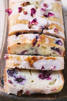 Juicy blueberries, tangly Greek yogurt and olive oil make this blueberry olive oil loaf cake a moist flavourful affair for anytime of day. Drizzled with a tangy citrus sugar glaze it's perfect with tea or coffee. Lunch Snacks, Mini Tortillas, Lemon Yogurt, Greek Yogurt, Olive Oil Yogurt Cake, Lemon Olive Oil Cake, Orange Yogurt, Cake Recipes With Oil, Blueberry Loaf Cakes