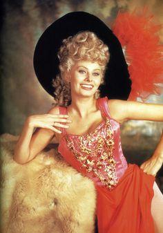 "Sophia Loren - ""Heller in Pink Tights"" - Costume designer : Edith Head Katharine Hepburn, Katharine Ross, Betty Brosmer, Jane Powell, Vera Ellen, Rosemary Clooney, Yvonne Craig, Jean Simmons, Rita Moreno"