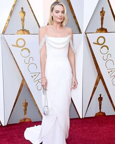 @margotrobbie in @chanelofficial. More of our favorite looks from the #Oscars in link in bio. via CR FASHION BOOK MAGAZINE official Instagram - #Beauty and #Fashion Inspiration - Beautiful #Dresses and #Shoes - Celebrities and Pop Culture - Latest Sales and Style News - Designer Handbags and Accessories - International Advertising Campaigns - Gifts and Bargain #Shopping Guide - Famous Luxury Brands on Instagram - Trendsetters Fashionistas and Shopaholics - Editorial Magazine Covers…