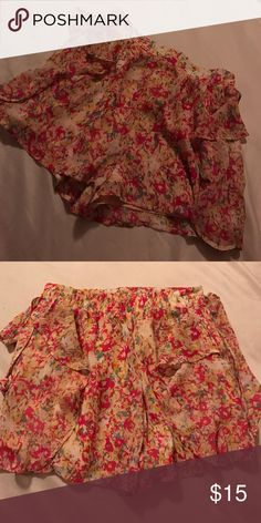 BCBGeneration Floral Shorts BCBGeneration floral loose shorts - size XXS but fits more like an XS BCBGeneration Shorts