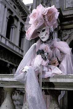 Been to Venice a few times..but not to a Masquerad Ball.. Carnevale Di  VeneziaMascherine Per ... c64b2faa3e0