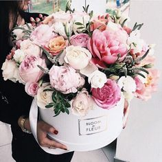 57 ideas flowers bouquet birthday floral arrangements pink roses for 2019 Floral Vintage, Deco Floral, Arte Floral, Floral Design, My Flower, Fresh Flowers, Beautiful Flowers, Beautiful Bouquets, Romantic Flowers