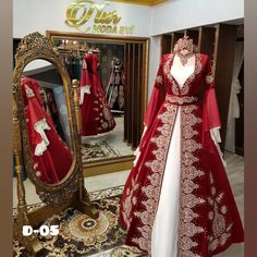 Ethnic Gown, Turkish Fashion, Dress Hairstyles, Fantasy Dress, Applique Dress, Muslim Fashion, Indian Designer Wear, Suit Fashion, Traditional Outfits