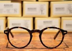 Ever since Hyman Moscot, who arrived in the USA from Eastern Europe via Ellis Island, began selling eyeglasses from a pushcart on Orchard . Ray Ban Sunglasses Sale, Sunglasses Online, Sunglasses Women, Sunglasses 2016, Luxury Sunglasses, Sunglasses Outlet, Buy Glasses, Mens Glasses, Ladies Glasses