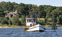 boat near Billy Joel's house in Oyster Bay