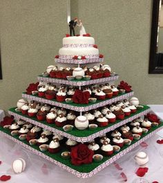 Wedding themes pastel cake ideas Ideas for 2019 Baseball Wedding Cakes, Softball Wedding, Sports Wedding, Themed Wedding Cakes, Fall Wedding Cakes, Wedding Themes, Our Wedding, Dream Wedding, Baseball Party