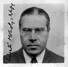 László Moholy-Nagy (July 1895 – November was a Hungarian painter and photographer as well as a professor in the Bauhaus school. He was highly influenced by constructivism and a strong advocate of the integration of technology and industry into the arts. Alexander Rodchenko, Straight Photography, Photography 101, Walter Gropius, Artist Art, Artist At Work, Theo Van Doesburg, Laszlo Moholy Nagy, Josef Albers