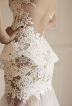 #lace #wedding #white #floral