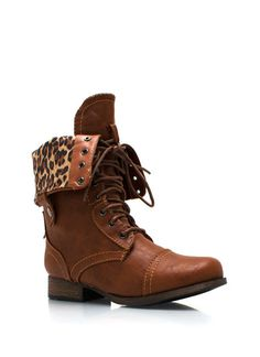 Frisky Kitty Zip-Up Combat Boots. GUYS THERE IS CHEETAH INSIDE THIS!!!