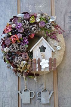 ideas for yellow walls decor quotes ideas ideas for birthday ideas powder room to wall decor ideas for deck ideas ideas for birthday party ideas thrift store Fall Wreaths, Easter Wreaths, Christmas Wreaths, Christmas Decorations, Holiday Decor, Fabric Wreath, Diy Wreath, Home Crafts, Diy And Crafts