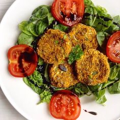 Who said salads had to be boring? These delicious Spicy Squash & Quinoa Patties from @spamellab are packed with flavour and healthy ingredients, including our low-carb Sukrin Organic Coconut Flour for a boost of natural fibre.  Sukrin Organic Coconut Flour is now available at Sainsbury's and Waitrose.  #sukrin #sukrinuk #coconutflour #lowcarb #glutenfree #fibre #protein#lchf #vegan #paleo #keto #organic #plantbased #eatclean #salad #healthylunch #quinoa