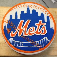 Mets skyline logo cake