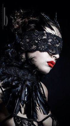 The Best In Gothic Fashion Fantasy Photography, Photography Women, Fashion Photography, Steam Punk, Costume Venitien, Makeup At Home, Arte Obscura, Vampire, Masquerade Ball