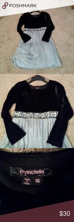 My Michelle Black Velvet and silver dress Fabulous Black Velvet and silver dress perfect for father daughter dance or a special date night with Dad. Measures 29 in from next scene to hem. MYMICHELLE Dresses
