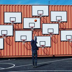 Creative Urban, Photography, Abstract, and Material image ideas & inspiration on Designspiration Sport Basketball, Love And Basketball, Basketball Court, Elephant Nantes, Installation Art, Art Installations, Urban Art, Event Design, Ppt Design