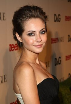 Willa Holland - Beautiful Actress in ARROW Currently as Thea, Oliver's Half-Sister.