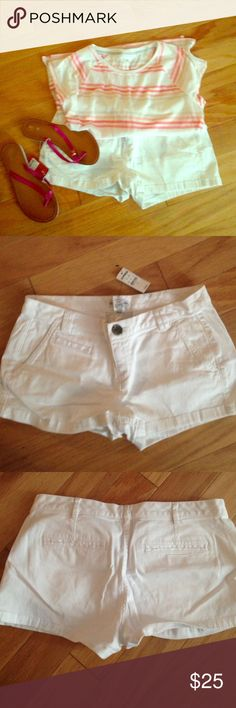🎩SALE🎩White Express Shorts These have never been worn and are in great condition! Includes original tags! Express Shorts