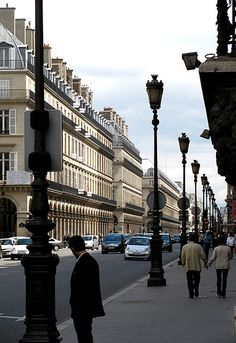 Louvre District, rue de Rivoli, Paris I