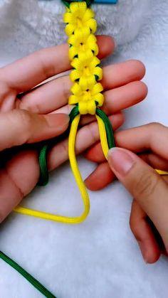 String Crafts, Rope Crafts, Diy Crafts Jewelry, Bracelet Crafts, Diy Arts And Crafts, Flower Bracelet, Jewelry Ideas, Diy Bracelets Patterns, Diy Friendship Bracelets Patterns