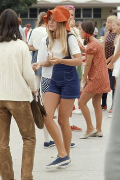 That '60s show: What American high school students dressed like in 1969* (these facts have not been verified ;P)
