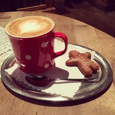 Gingerbread Latte, Holiday Travel, Food And Drink, Instagram, Breakfast, Tableware, Fun, Christmas, Morning Coffee